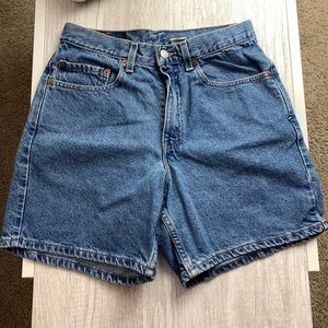 Levis 550 Mom Shorts